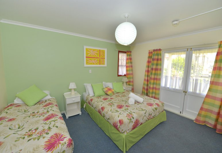 One Bedroom Cottage - Ducks & Drakes Boutique Motel